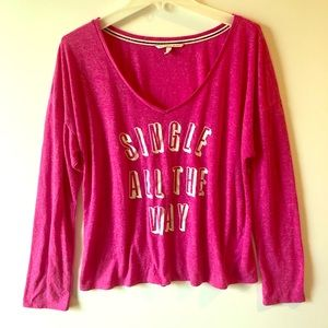 "VICTORIA'S SECRET ""Single All The Way"" TEE SHIRT L"